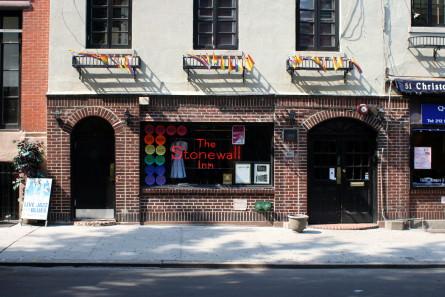 Stonewall_inn_ny_2008